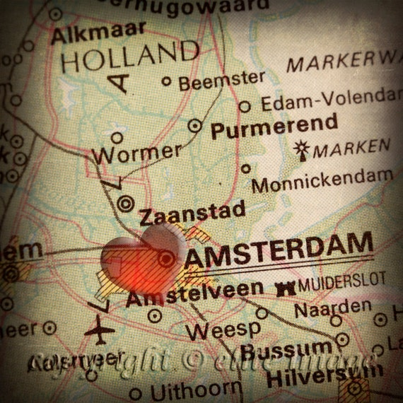 8x8 MAP of AMSTERDAM Holland with a Heart Shape with a Grunge Vintage Border - 8x8 Photograph