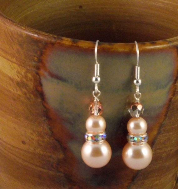 Swarovski peach pearl earrings