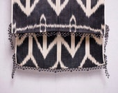 crochet ikat scarf with bead-lace ends - Turkish OYA - 16.53'' x 78.74'' - FAST worldwide shipment with UPS - 143