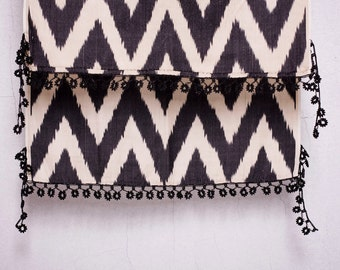 crochet ikat scarf with bead-lace ends - Turkish OYA - 15.75'' x 78.74'' - FAST worldwide shipment with UPS - 126