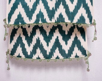 crochet ikat scarf with bead-lace ends - Turkish OYA - 14.57'' x 78.74'' - FAST worldwide shipment with UPS - 129