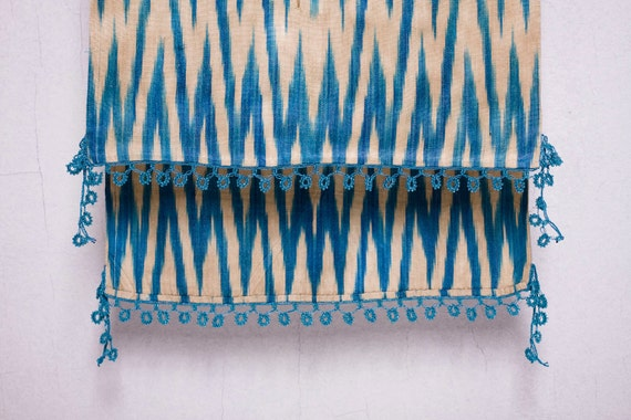 crochet ikat scarf with bead-lace ends - Turkish OYA - 14.96'' x 78.74'' - FAST worldwide shipment with UPS - 133