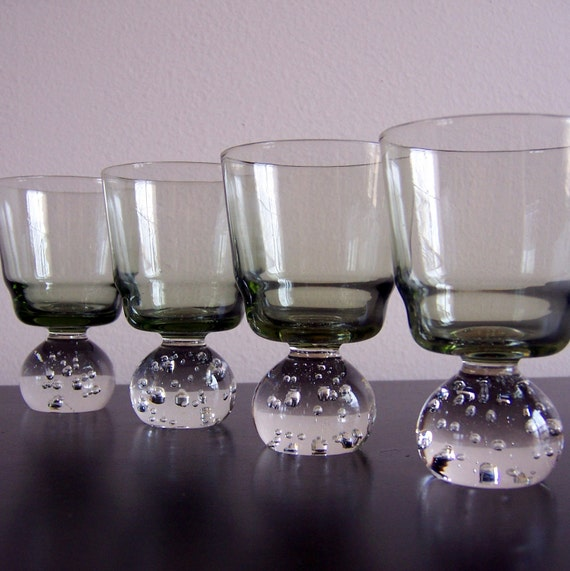 Set of 4 Aseda Controlled Bubble Cocktail Glasses Cordials Chartreuse