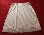 Half-slip in nylon and lace - vintage 1960s style