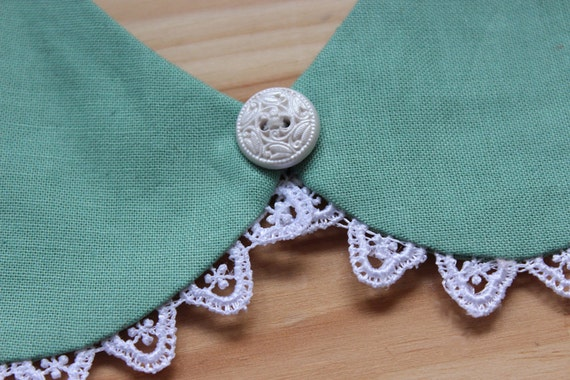 Green meadow - Detachable  Peter Pan rounded collar with pussy bow and lace scalloped edge in green blue turquoise and white 50s style