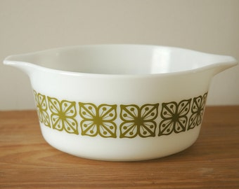Vintage Pyrex Square Flowers 1.5 Quart Cinderella Casserole Bowl Ovenware, Green Floral Pattern