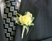 Faux Boutonniere - Silk Boutonniere - Wedding Boutonniere - Anniversary Boutonniere - Prom Boutonniere - Pale Yellow Roses Boutonniere