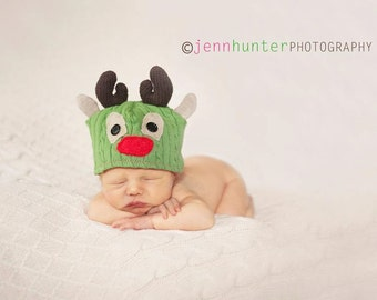 Reindeer Upcycle Sweater Hat Pattern includes 5 sizes-Instant Download-PDF 11