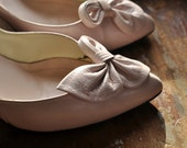 Mauve high heel shoes, fanned bow on top, vintage, womens 6.5 M