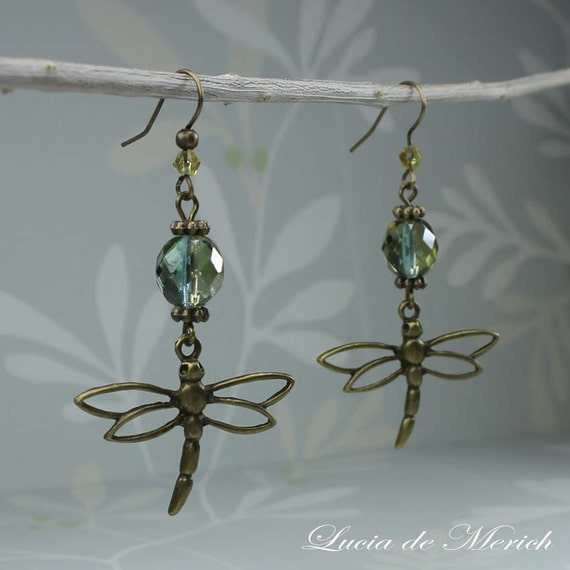 Crystal Clear Dragonfly Earring - Vintage style  - Unique gift for her under 20 USD, Black friday etsy, Cyber monday etsy -Coupon code.