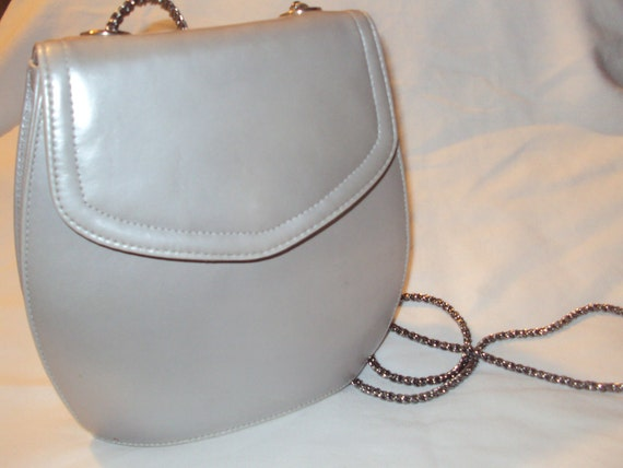 Vintage Frenchy of California Round Purse w/ Metal Chain shoulder strap.
