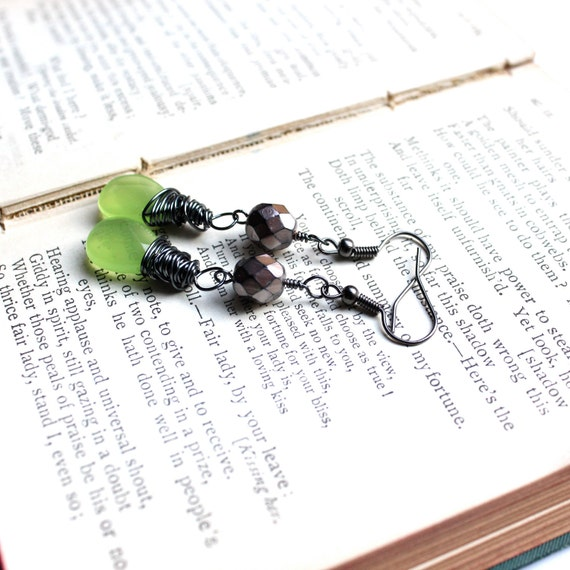 Peridot Dangles // Wire Wrapped Dangle Earrings // Peridot Earrings