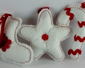 Set of 3 Christmas ornaments in felt - candy cane, star and stocking