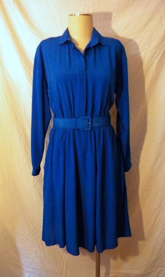 Early 1980s Shirt Dress w/ Collar & Matching Belt Size M/L