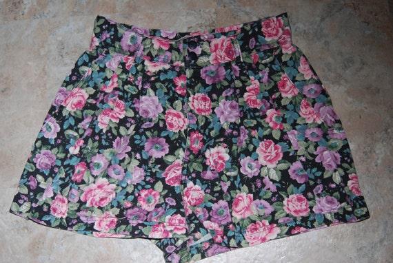 1970s High Waist Pleated Floral Print 2 Button Denim Shorts Size S/M