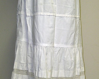 Mid-19th Century White Cotton Underpetticoat