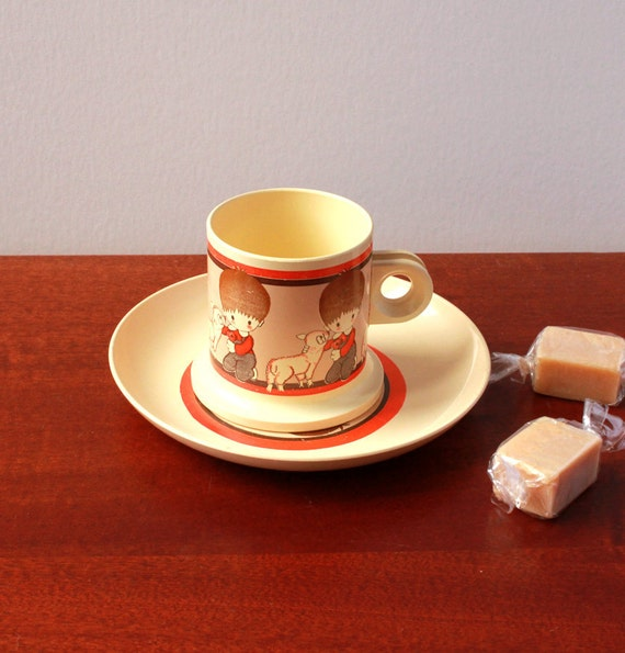 Vintage Teacup and saucer - Cute Kitchen toys
