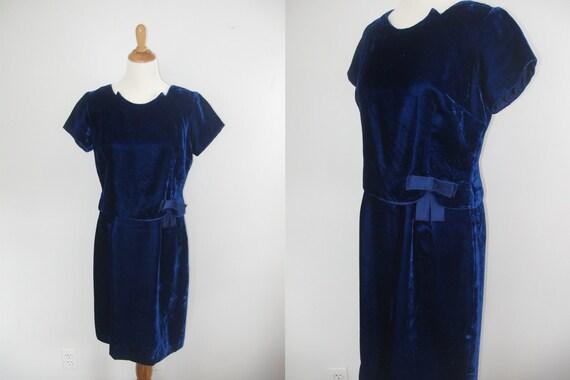 1960s blue velvet dress / vintage 60s cocktail dress
