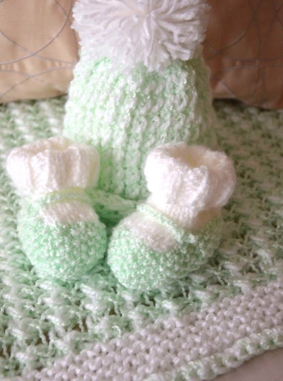 knit baby blanket, hat & booties