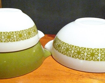 Pyrex 3-Bowl Set 'Square Flower Verde' set