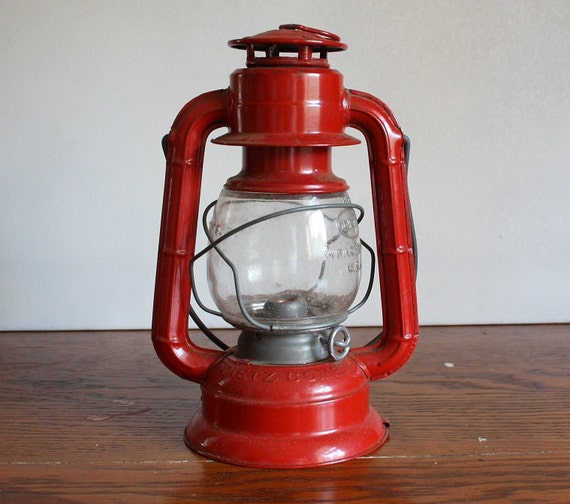 Dietz Electric Comet Lantern for Picnic or Camping