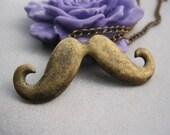 bracelet---antique bronze mustache bracelet---Z217