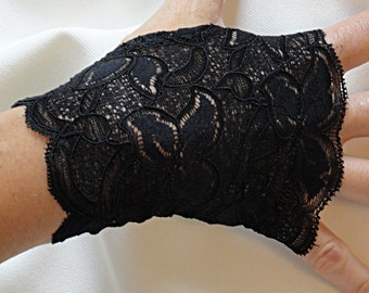 Black Lace Gloves - Black Lace Fingerless Gloves .