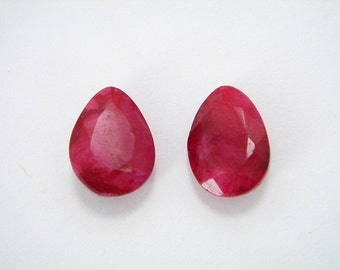 FACETED RUBY Pair ... Drop Cabs. very well polished - Ruby drop - 13 x 9 mm