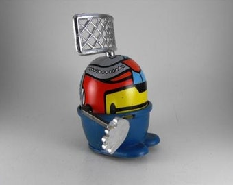 Vintage Toy Robot Wind Up Spinning Radar Hands Wheeled Tin Toy 1978 Hong Kong