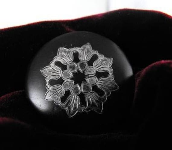 Vintage Brooch Nielo Nielloware Black And Silver Engraved Shield Pin 1940s Old Piece