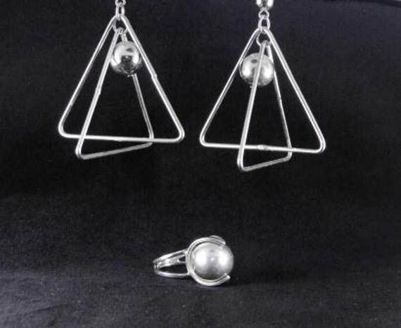 Vintage 70s Jewelry Set Ring Earrings Atomic Mod Design 40.00 obo