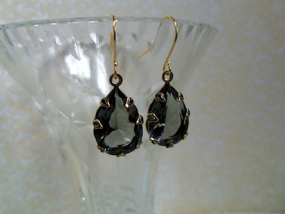 Antique Gold Pear Crown with Vintage Black Diamond Rhinestone Dangle Earrings with Simple Ear Wire Jewelry