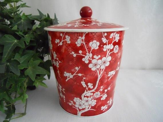 Vintage English Tin. Floral tin Made in England