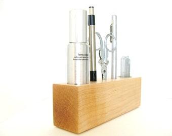 Maple Wood Thumb Drive Holder Desk Organiser