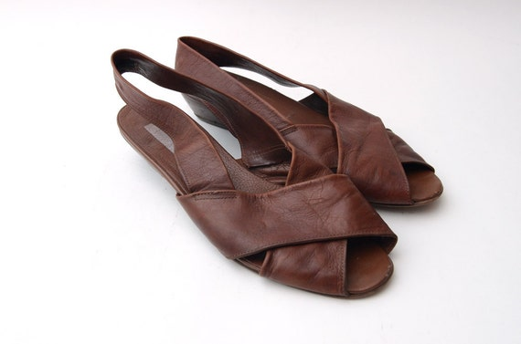 FINAL SALE Vintage brown leather peep toe sling back sandals