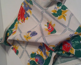 Vintage Red Yellow Blue Green Fruit Table Runner Kitchen Cloth