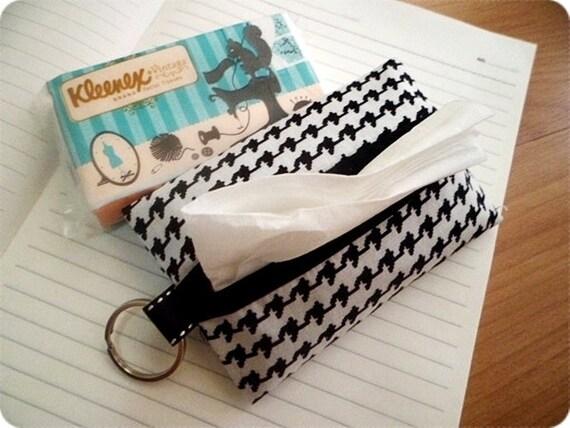 Houndstooth tissue cover, black white houndstooth, tissue cover, tissue holder, gift for nana,  girlfriend, girl friend gifts, teen girl