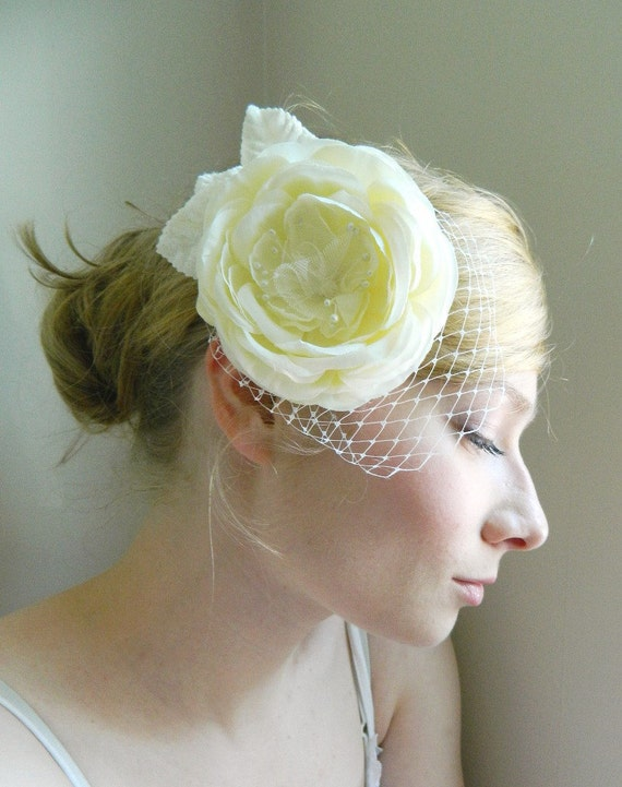 SALE Ella Fascinator - Ivory Rose Bridal Hair Accessory - White Hair Flower - Bird Cage Veil