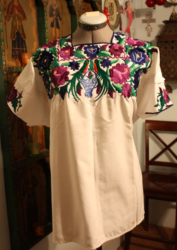 Guatemalan Mayan White Huipil Blouse Shirt with Embroidered Flowers & Quetzal