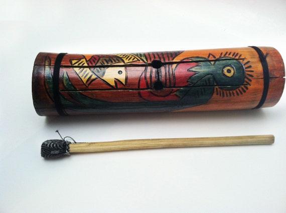 Guatemalan traditional instrument Tum / Instrumento tradicional guatemalteco Tum