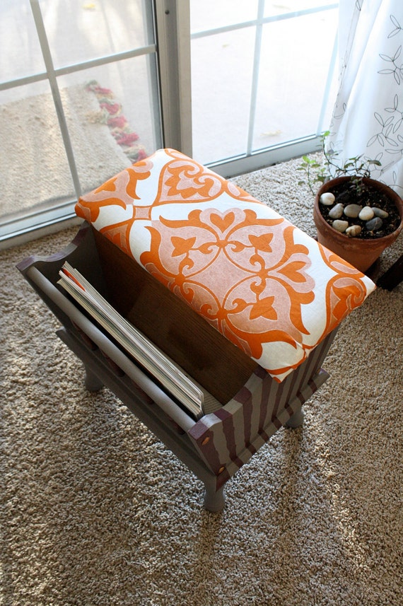 Lift top Ottoman with Magazine Rack