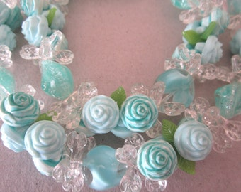 Aqua flower necklace. aqua necklace. flower jewelry. floral necklace. vintage jewelry