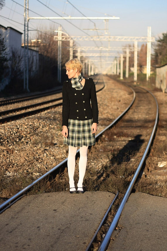 Vintage plaid pleated skirt & scarf. Schoolgirl style. Handmade in Italy.