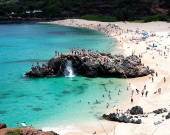 Famous Jump Rock at Waimea Bay on the North Shore of Oahu in Hawaii
