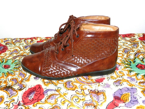 Vintage Basket Weave Leather Ankle Boots / Booties - Size 8