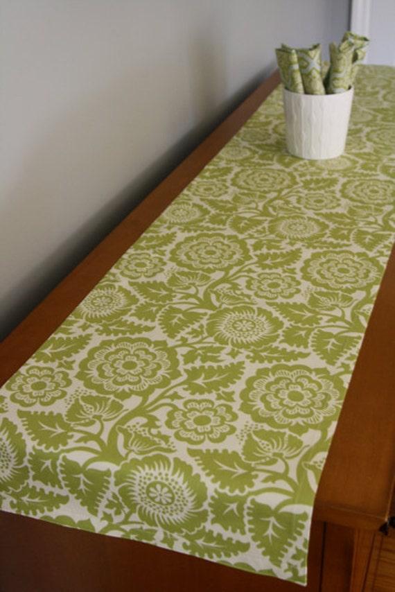 table runner in blockprint blossom green