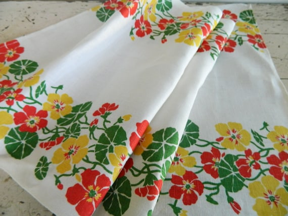 Bright and Cheery Vintage Linen Tablerunner