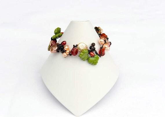 Autumn Beaded Bracelet, Leaf Jewelry, Nature Jewelry, Fall Fashion
