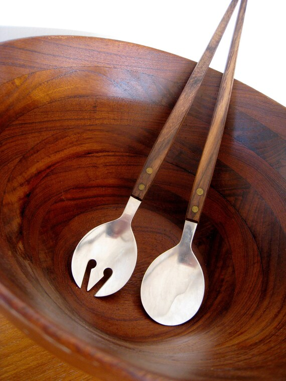 mid century modern serving utensils with wooden handles