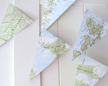 World Atlas Bunting, Map Bunting 5ft Long, Map Decoration, Wedding Bunting, Wedding Garland, Bridal Shower, Photo Prop, Bon Voyage Party